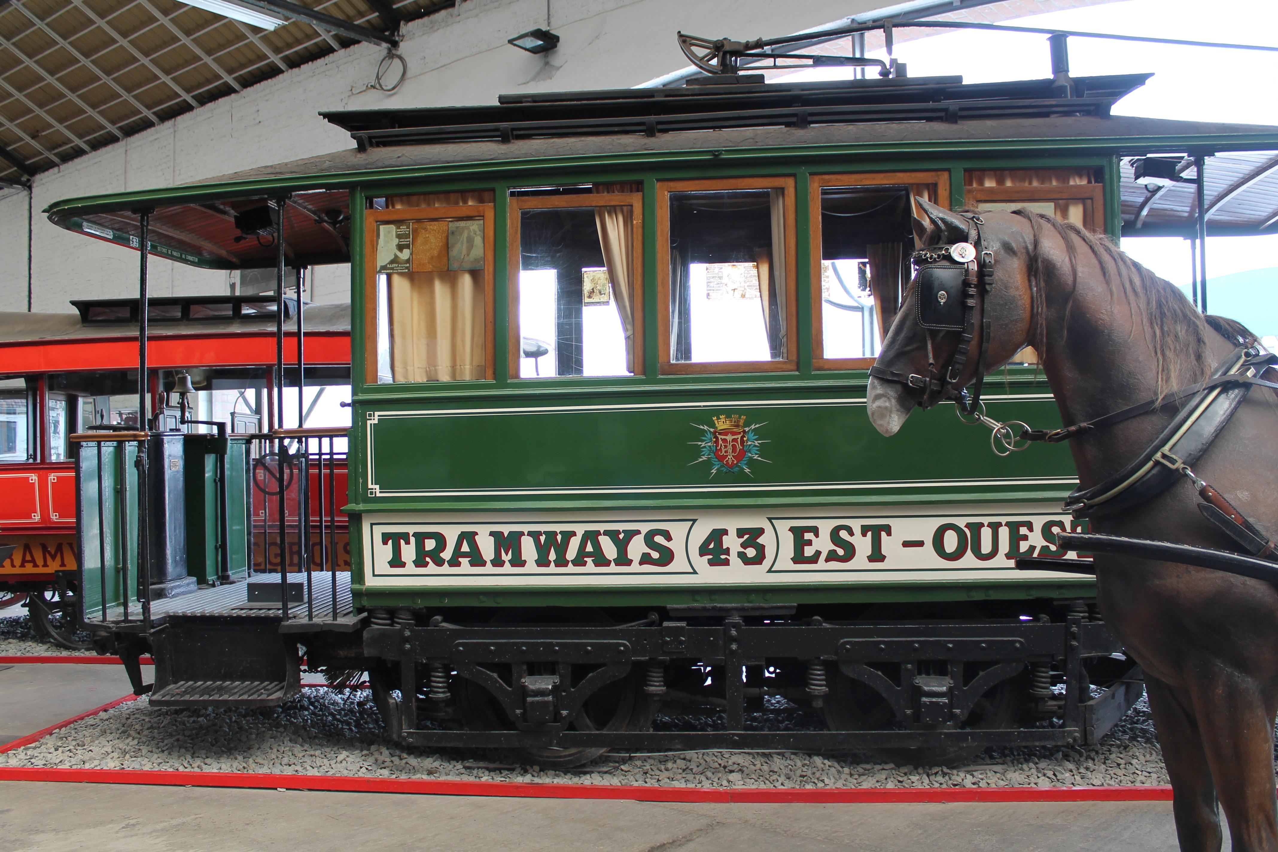 Tramways Est-Ouest - Motrice 43